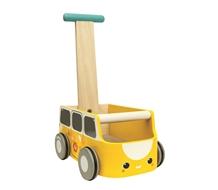 מובילים את המכונית צהוב